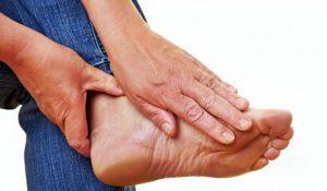 симптомы болей в стопе